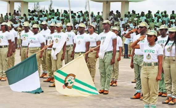 Corps member donates reading glasses to 240 eye patients in…