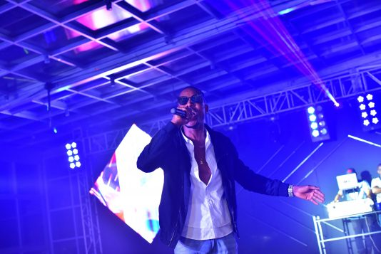 mr-2kay-performing-skyy