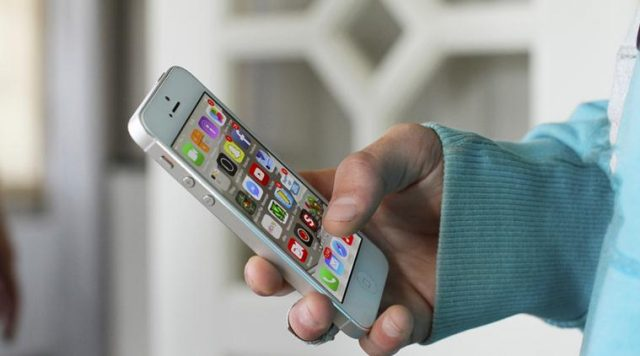 Six common habits that may damage your smartphone