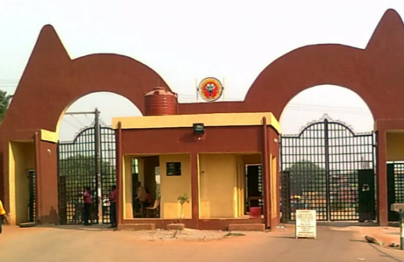 Auchi Poly bans students from bringing cars to campus