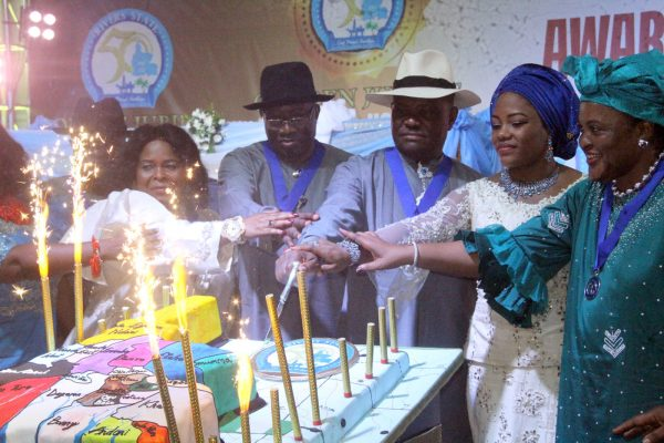 L-R Dame Patience Jonathan, Former Nigerian First Lady; Dr Goodluck Jonathan, Former President; Barr Nyesom Wike, Rivers State Governor; His Wife Justice Suzzeth Wike and Justice Mary Odili Cutting the Golden Jubilee Cake during the Rivers State Golden Jubilee Awards and houours Night Weekend in Port Harcourt. Photo: Nwankpa Chijioke