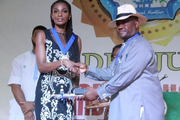 R-L Rivers State Governor, Nyesom Wike Presenting the Distinguish Service Star of Rivers State Award [DSSRS] to Agbani Darego Danjuma, Former Miss World during the Rivers State Golden Jubilee Awards and houours Night Weekend in Port Harcourt. Photo: Nwankpa Chijioke