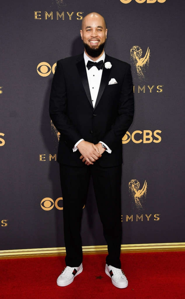 emmyrs_634x1024-170917152408-634-emmy-awards-arrivals-2017-Peter-Saji