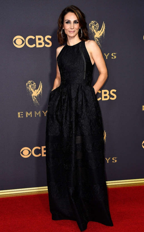 emmyrs_634x1024-170917161152-634-emmy-awards-arrivals-2017-Annie-Parisse