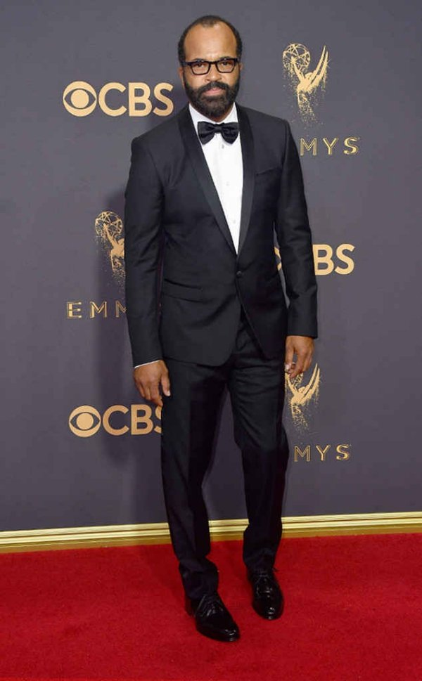emmyrs_634x1024-170917165030-634-emmy-awards-arrivals-2017