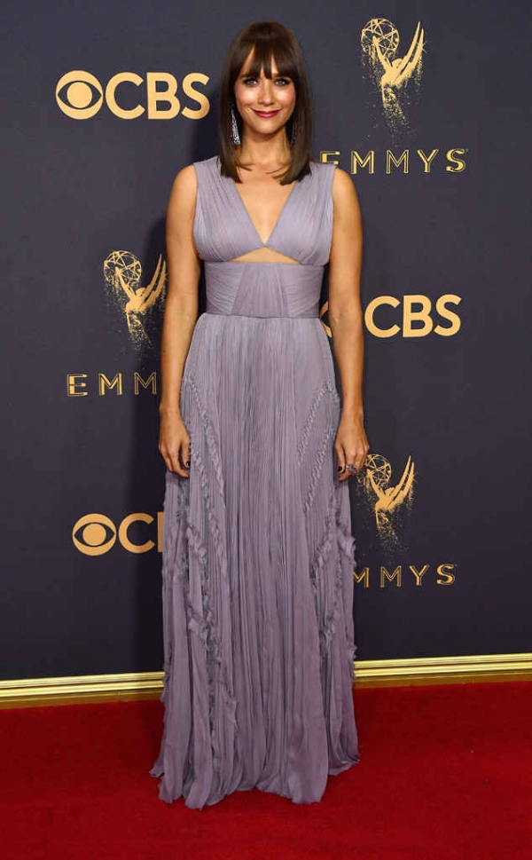 emmyrs_634x1024-170917165250-634-emmy-awards-arrivals-2017-rashida-jones