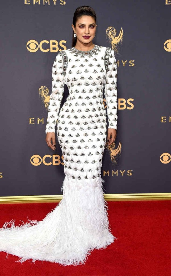 emmyrs_634x1024-170917170753-634-emmy-awards-arrivals-2017-priyanka-chopra-2
