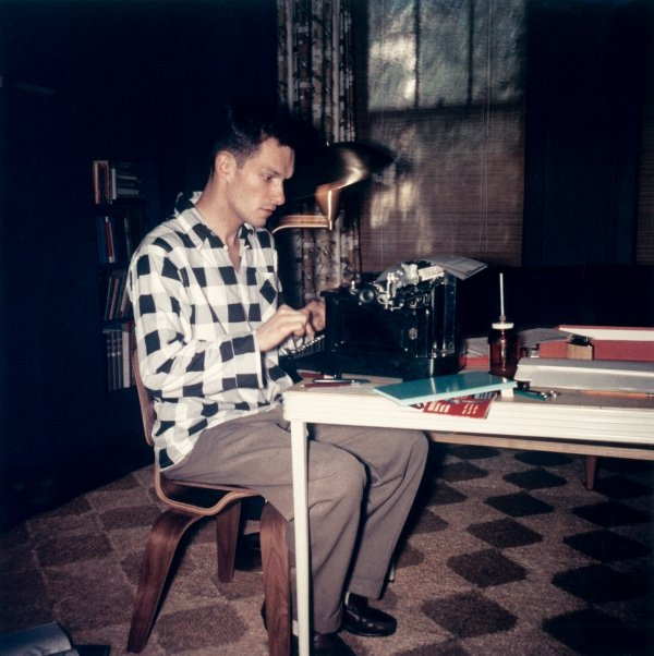 hughhefkeyHugh Hefner at typewriter_credit Playboy