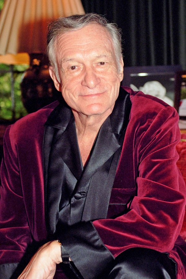 hughhefkeyHugh Hefner publicity photo_credit Elayne Lodge