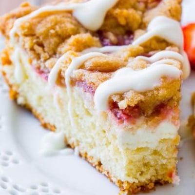 Strawberry & Cream Crumb Cake