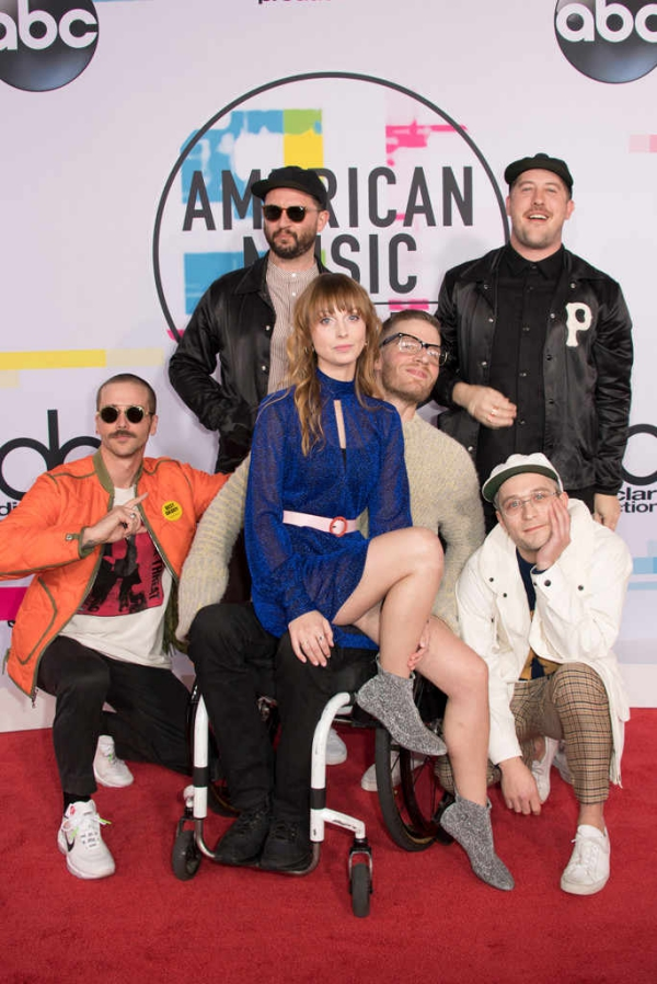 American Music Awardsrs_684x1024-171119174342-634portugal-and-the-man-ama
