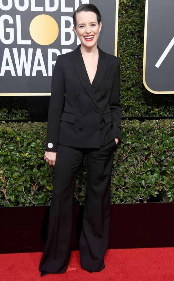 rs_634x1024-180107152958-634-red-carpet-fashion-2018-golden-globe-awards-claire-foy.