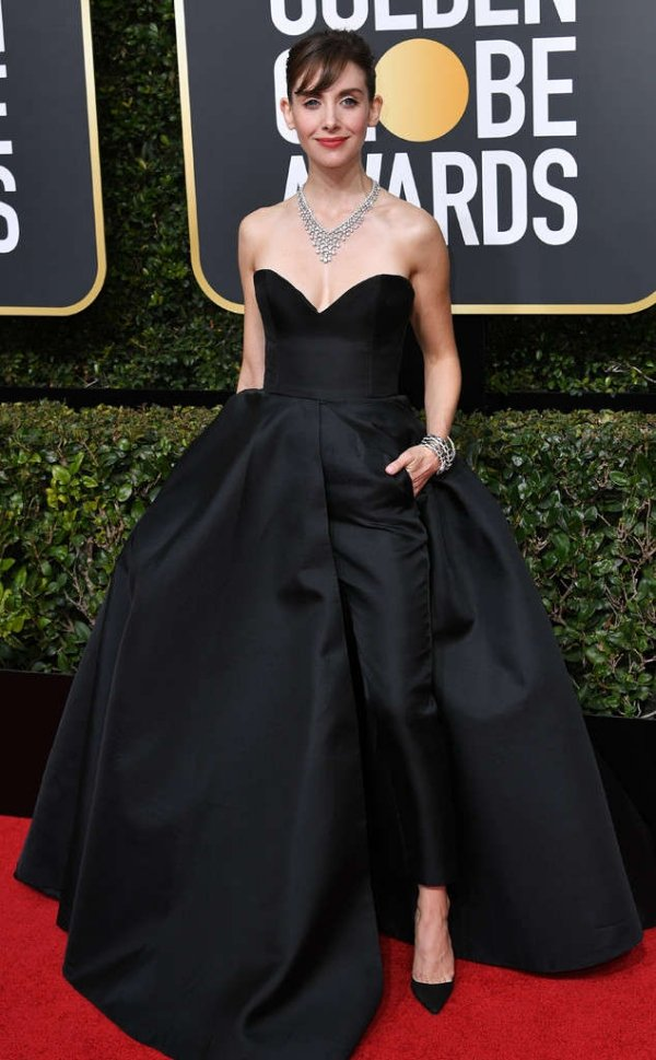 rs_634x1024-180107154247-634-red-carpet-fashion-2018-golden-globe-awards-allison-brie.