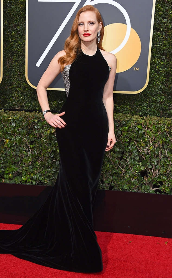 rs_634x1024-180107164818-634-red-carpet-fashion-2018-golden-globe-awards-jessica-chastain.ct.010718.