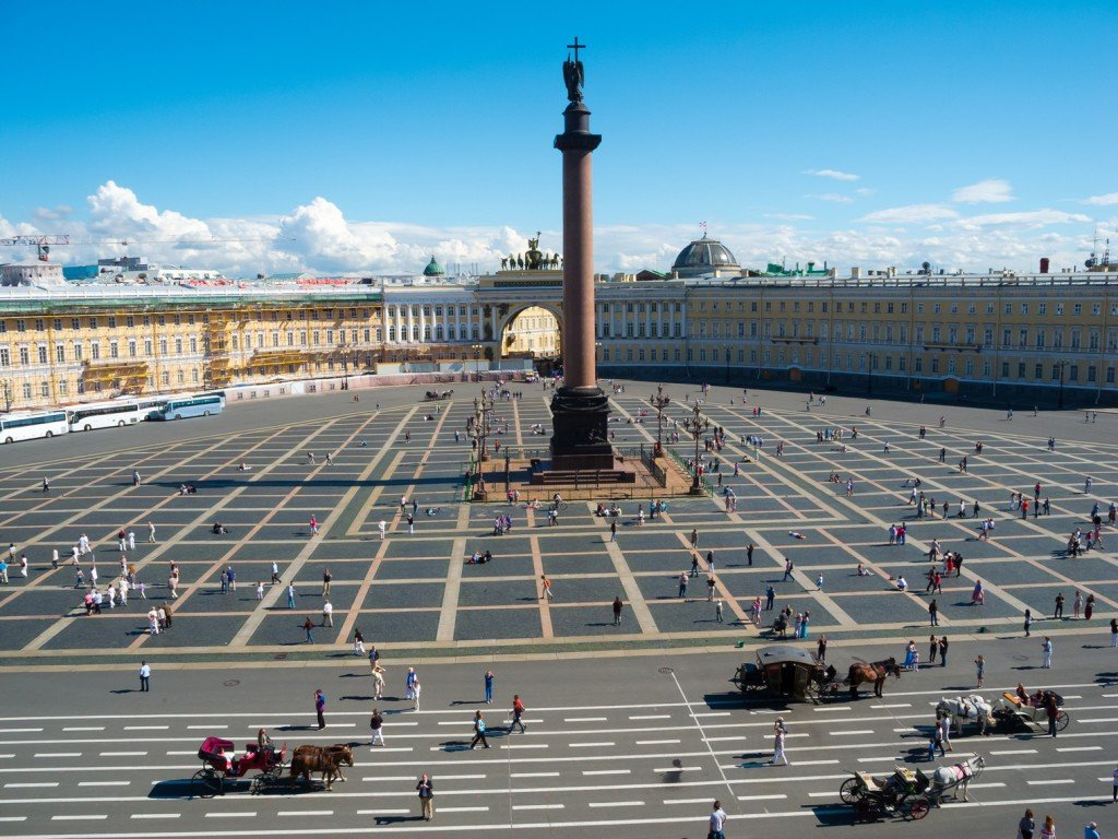 Alexander-Column-on-Palace-Square-in-St-1024x768