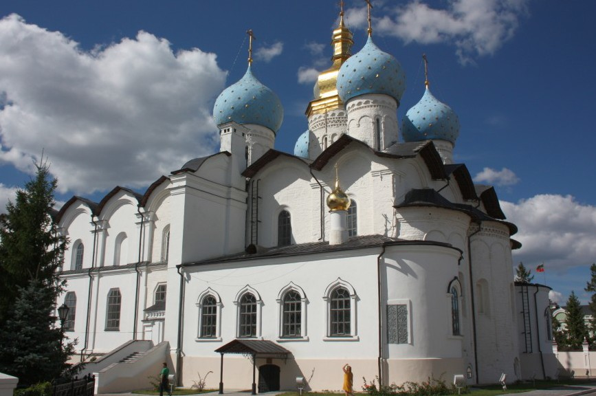 Annunciation-Cathedral-in-the-Kazan-Kremlin-e1417544307955