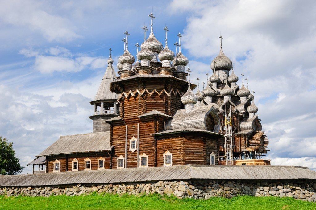 Church-of-Transfiguration-at-Kizhi-island-in-Russia