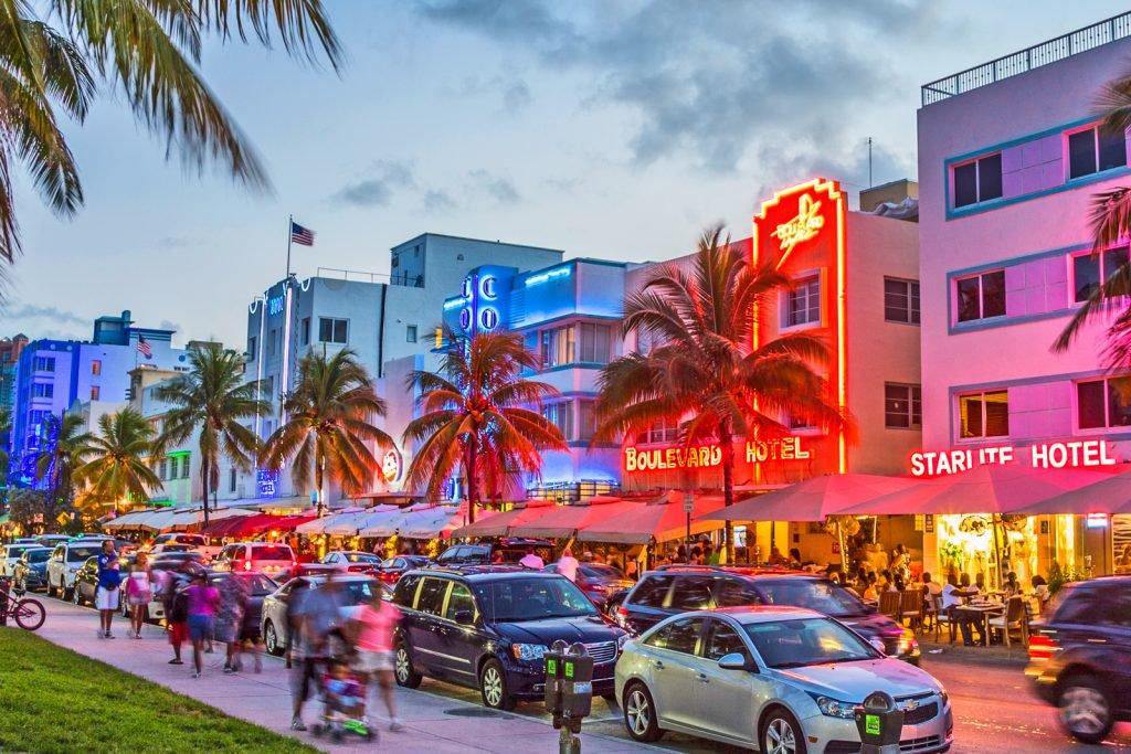 south-beach-miami-ocean-drive-neon-lights-1024x683