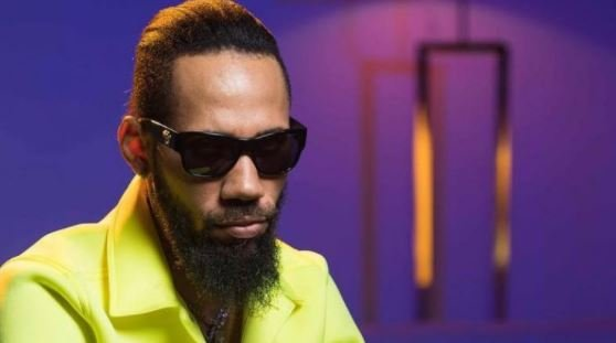 Flavour, Phyno allege threat to lives for leading #EndSARS protest…