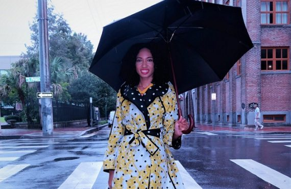Dear ladies, here's how to look good on a rainy…