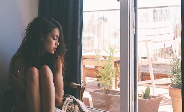 Seven must-know tricks to tackle travel-related homesickness
