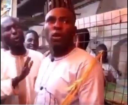 WATCH: Man nearly beaten in Kano for paying food vendor…