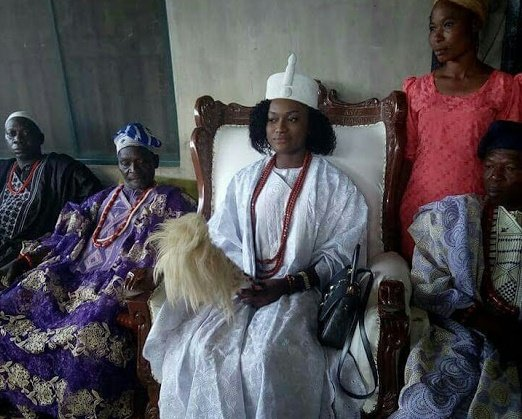 Meet Taiwo Agbona, Nigerian king 'chosen by oracle' but can't get married, pregnant on the throne