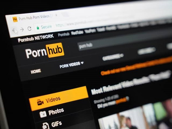 EXTRA: 'You make it hard for us to enjoy' -- Deaf man sues Pornhub over lack of closed captioning