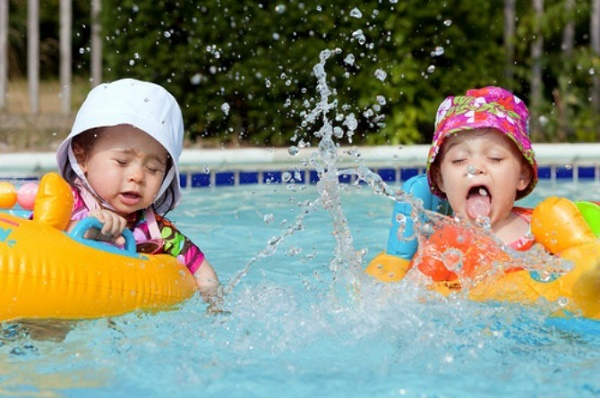 Dangers of swimming rings all parents should know about