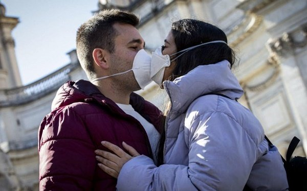 Coronavirus fears prompt Italy to ban kisses, handshakes