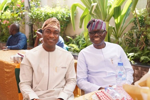 EXTRA: Sanwo-Olu performs 'leg shake' with Hamzat at coronavirus isolation facility