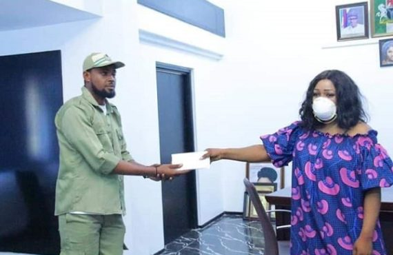 Corps member 'donates monthly allowance' to help fight COVID-19