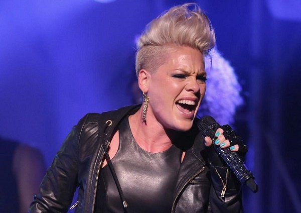 Pink donates $1m to fight COVID-19 after weeks with disease