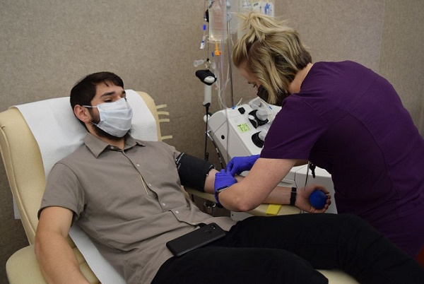 Plasma from COVID-19 survivors could help ill patients recover, study shows