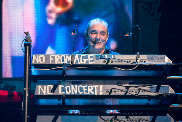 Dave Greenfield, The Stranglers keyboardist, dies of COVID-19 at 71
