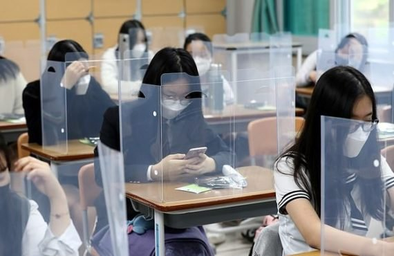 South Korea closes over 200 schools again after biggest COVID-19…