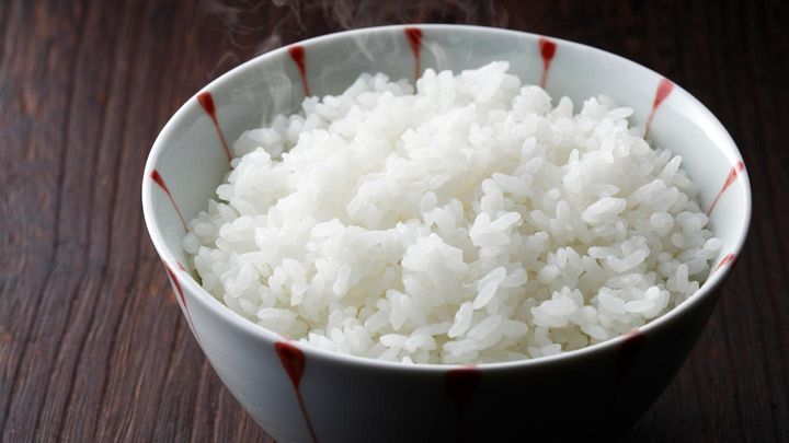 Harvard Medical School: White rice spikes blood sugar in the body -- almost like eating table sugar