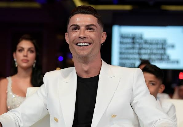 Forbes: Ronaldo becomes first footballer to earn over $1bn