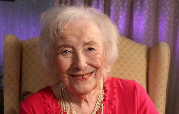Vera Lynn, 'We'll Meet Again' singer, dies at 103