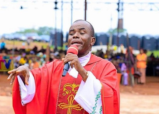 How Mbaka reacted to Erica-Laycon clash before disqualification
