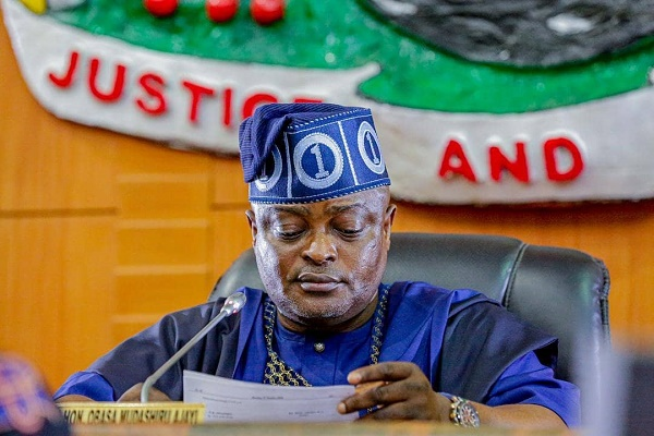 #EndSARS: Obasa summons emergency meeting after overnight protest