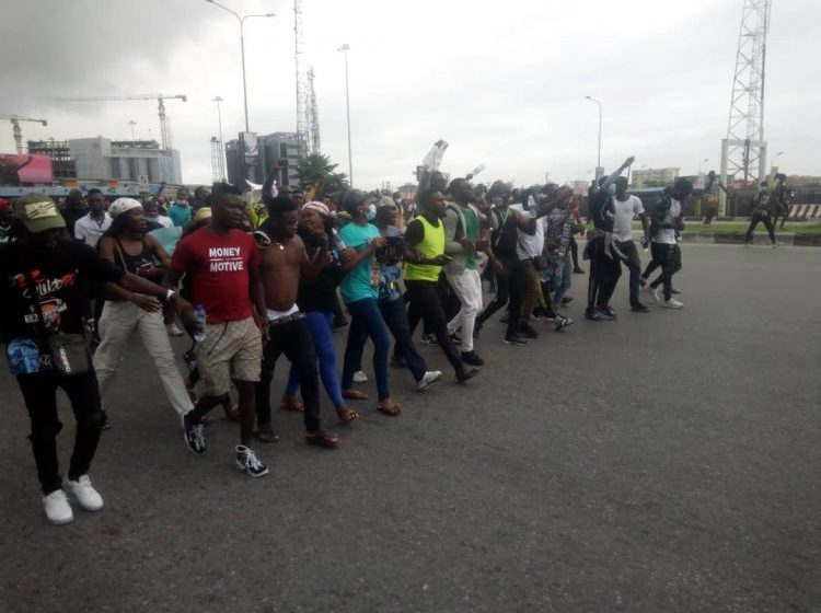 #EndSARS: Panic as DJ Switch gives update on Lekki toll gate shootings