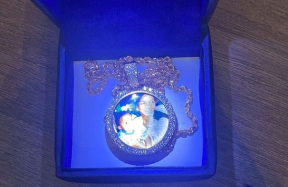 Chioma gifts Davido beautiful necklace on 38th birthday