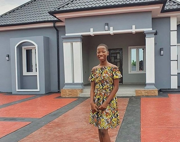 PHOTO: 10-year-old Emanuella builds mother a house