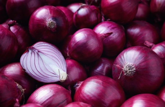 EAT ME: Five reasons onion is a necessity in Nigerian…