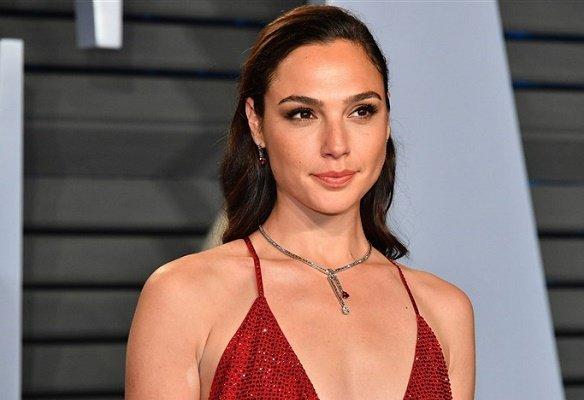Gal Gadot, Israeli actress, defends Cleopatra casting after 'whitewashing' controversy
