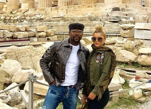 Floyd Mayweather denies rumoured engagement to Anna Monroe