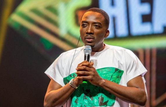 PHOTOS: Bovi rocks #EndSARS t-shirt to The Headies 2021