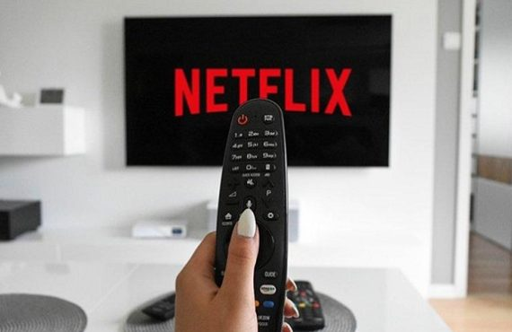 Netflix moves to curb password sharing