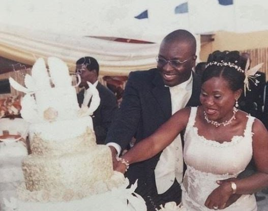 Ali Baba, the wife is celebrating her 15th wedding anniversary